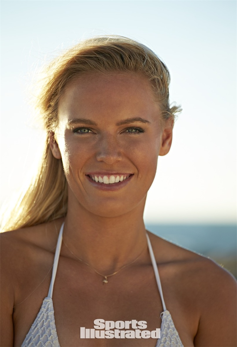 Каролин Возняцки в купальниках Sports Illustrated Swimsuit 2015 - Caroline Wozniacki by Walter Iooss Jr. in Captiva, Florida