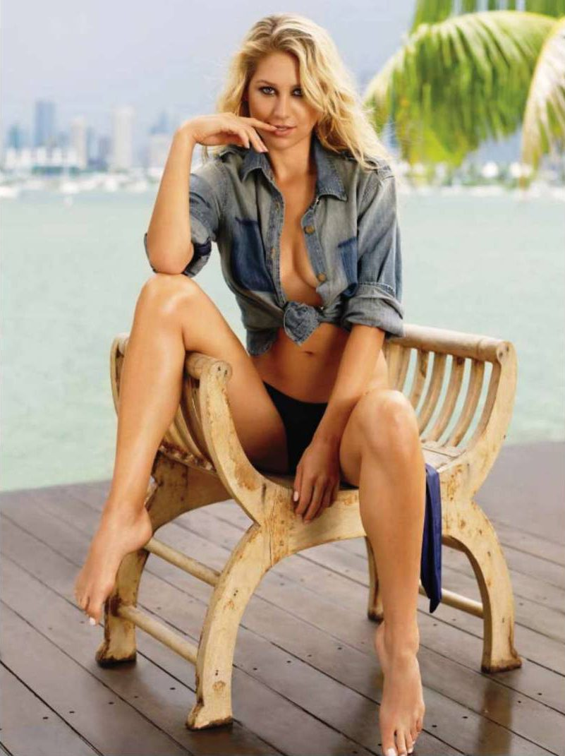 Анна Курникова / Anna Kournikova in Maxim USA october 2010
